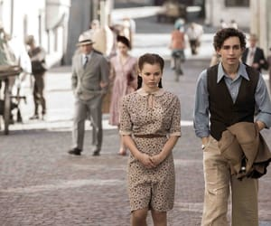 graphic, robert sheehan, and eline powell image