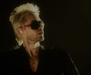 30 seconds to mars, blond, and sunglasses image