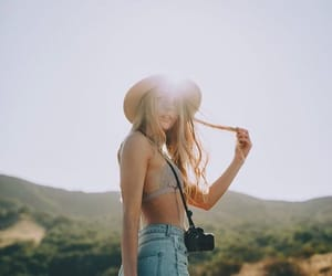 campo, girl, and grass image