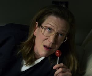 oitnb, carol denning, and henny russell image