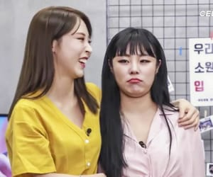 double chin, wheein, and moonbyul image