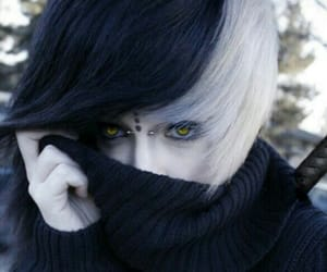 emo and soy diferente image