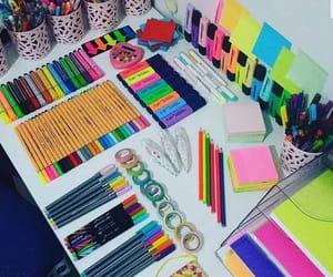 colores, útiles escolares, and alaskaa image