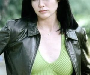 charmed, leather jacket, and shannen doherty image