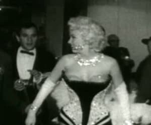 gif and marilyn image
