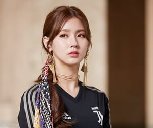 kpop, miyeon, and (g)i-dle image