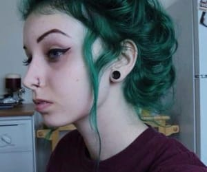 green hair, dyed hair, and alt girl image
