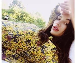 yellow and crystal reed image