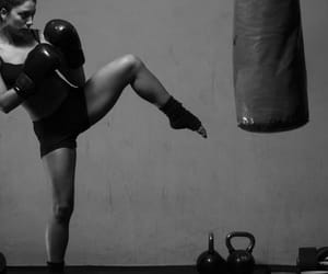 boxe and woman image