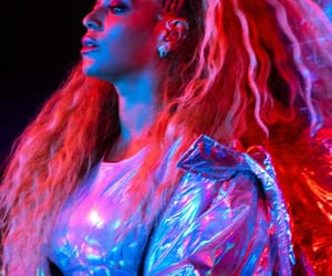 columbus, queenb, and mrs carter image