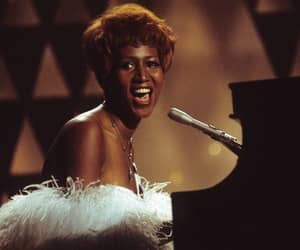 aretha franklin, queen of soul, and article image