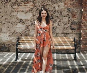 girls, moda, and anaranjado image