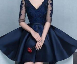 mujer, ropa, and vestidos cortos image