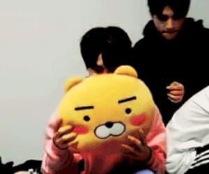 gif, hyunjin, and jeongin image