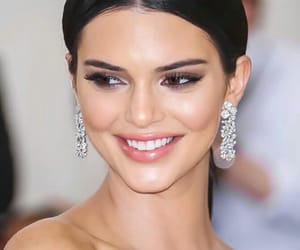 kendall jenner and kuwtk image