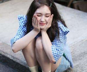 JYP, sixteen, and somi image