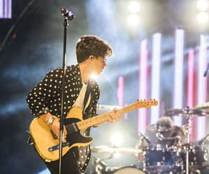 brad simpson, the vamps brad, and the vamps image