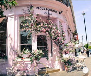 This looks really cute!! Looks like a cafe in paris