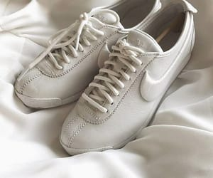 aesthetic, nike, and shoes image