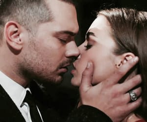 icerde, couple, and kiss image