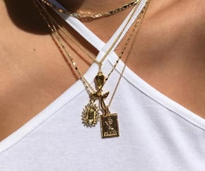 chains, details, and fashion image