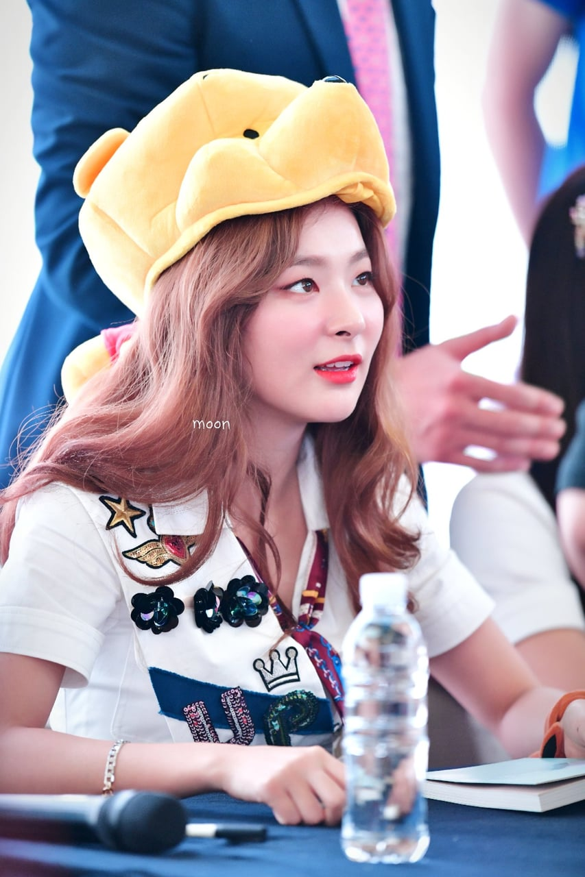 Hq 180818 Seulgi Fansign Event Starfield Goyang Central Plaza C Good S Moon Follow Me To See More Update About Rv 1127614cb