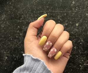 flowers, inspo, and nailsart image