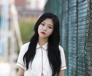 girls, kpop, and hyunjin image