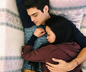 noah centineo, lara jean, and couple image