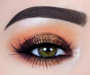 make up and green eyes image