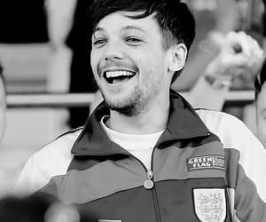 black and white, louis tomlinson, and drunk image