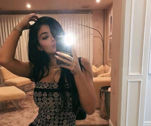 kylie jenner and mirror selfie image