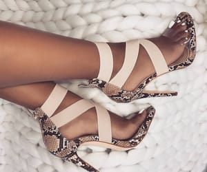 chic, shoes, and stylé image
