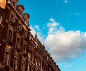 beautiful, london, and hollyday image