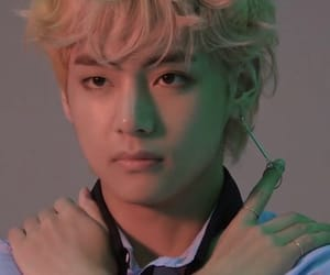 answer, curls, and bts lq image