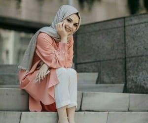حجاب and محجبات image