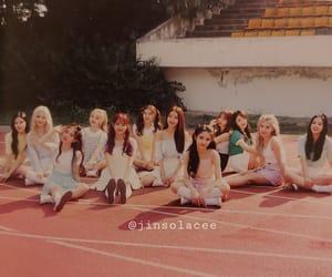 girls, yves, and heejin image