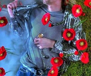 nirvana, kurt cobain, and flowers image