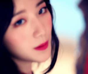 gif, soyeon, and (여자)아이들 image
