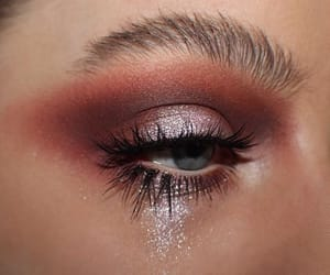 beuty, eyeshadow, and green eyes image