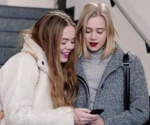 article, teotfw, and gossip girl image