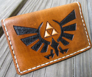 link, wallet, and triforce image