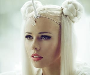 beauty, white unicorn, and unicorn queen image