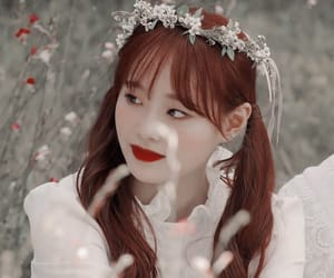 chuu, kpop icon, and kim ji woo image