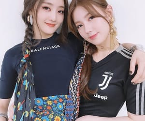 gidle, minnie, and idle image