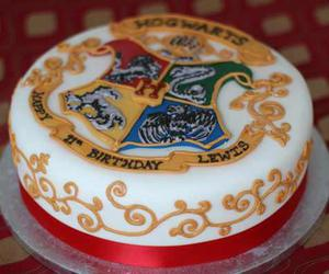 cake, harry potter, and hogwarts image