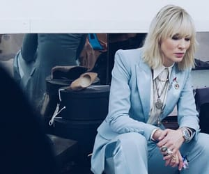 oceans 8 and lou miller image