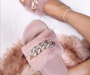 chain, e, and rosa image