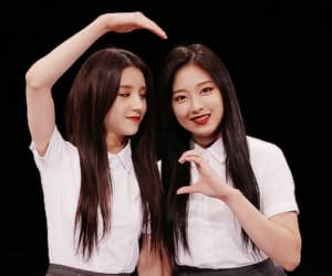 gif, hyunjin, and loona 1 3 image