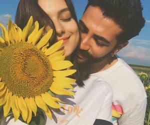 حُبْ and عشقّ image